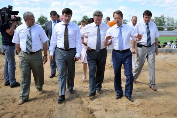Воронежский губернатор пообещал помощь пострадавшим от урагана аграриям