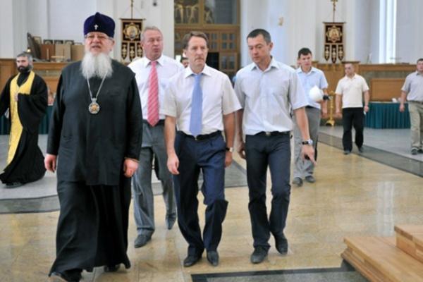 Воронежские мастера расписали иконостас Благовещенского собора