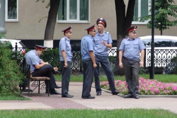 Зарплату воронежских полицейских увеличат в два раза