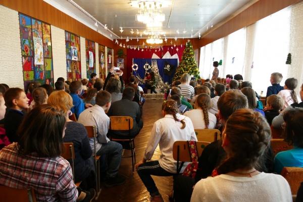 Благотворительный фонд «Дети России» поздравил школьников Прихоперья с новогодними праздниками