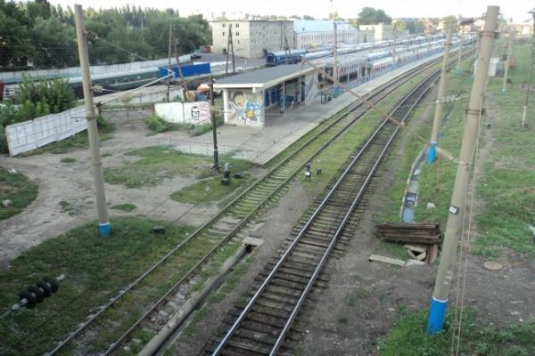 В Воронеже мужчина попал под поезд и погиб