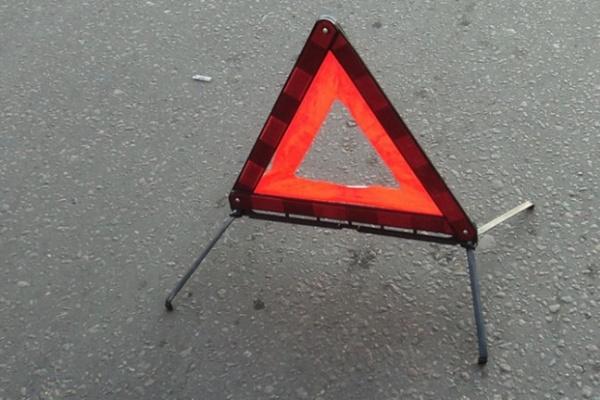 На трассе «Дон» при столкновении легковушки с грузовиком погиб человек