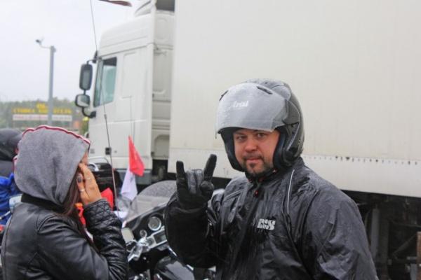 В мотопробеге до Москвы и обратно воронежских байкеров всю дорогу поливал дождь
