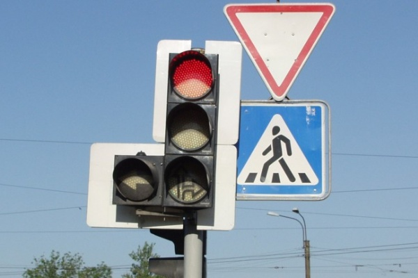 В Воронеже на набережной Массалитинова установят два светофора