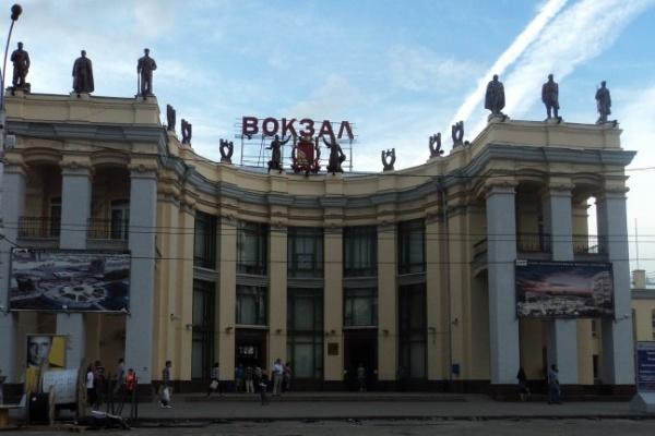 Поезд «Москва-Воронеж» второй день опаздывает на час