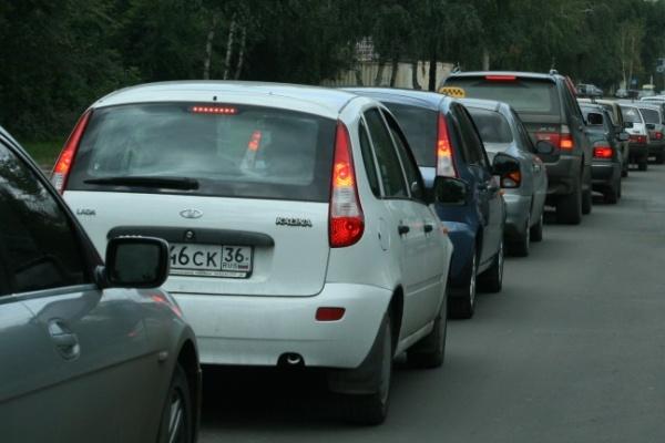 Воронежцы стоят в пробках из-за новой разметки на дорогах