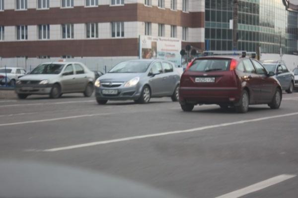 «Двойная сплошная» на повороте с проспекта Труда на Солнечную пока останется