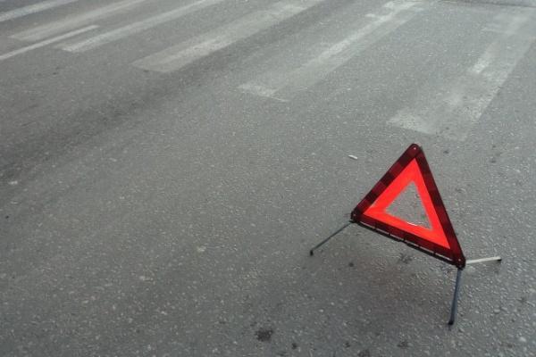Под Воронежем на пешехода по очереди наехали два автомобиля