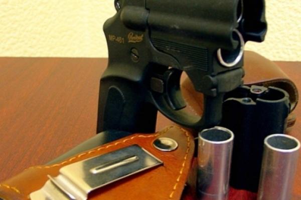 Открывший стрельбу во дворе в Северном микрорайоне воронежец может пойти под суд