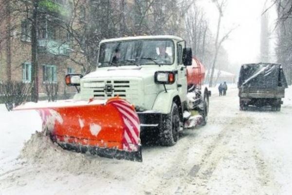 На борьбу со снегом в Воронежской области выйдут более 930 машин спецтехники и 700 дворников