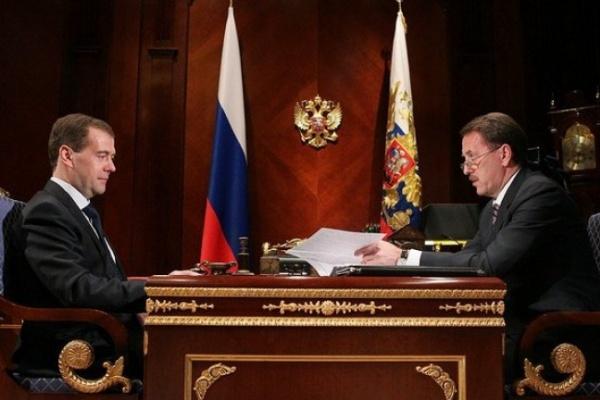 Накануне выборов президент Дмитрий Медведев встретился с губернатором Воронежской области Алексеем Гордеевым