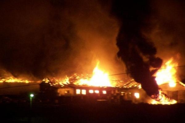В Воронежской области в сгоревшем бараке обнаружен труп