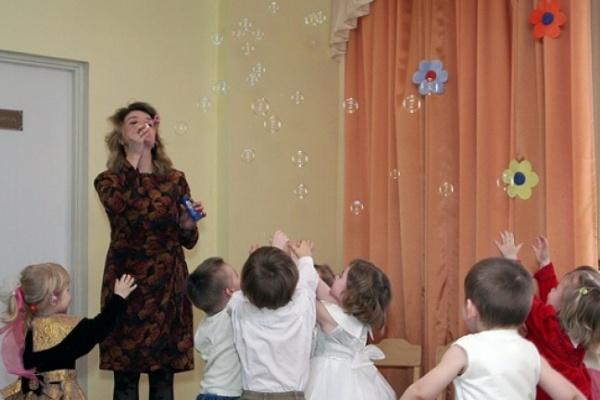 Воронежские воспитатели детсадов получили обещанную надбавку к жалованию