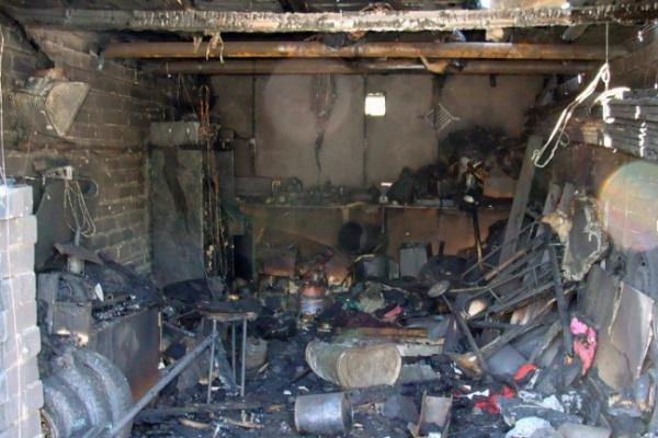 В Воронежской области мужчина едва не сгорел в гараже