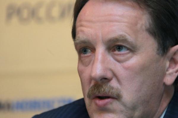 Воронежский губернатор проверил строительство бассейна в Анне