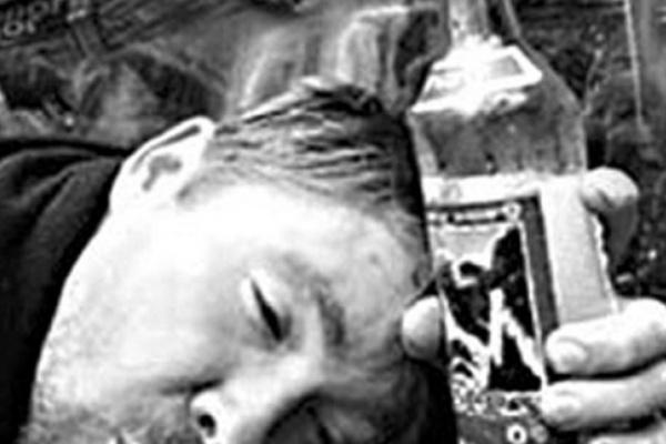 Пьяный водитель в Воронежской области угнал грузовик с алкоголем