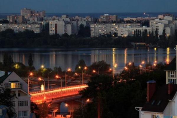 В Воронеже освещают отдаленные микрорайоны