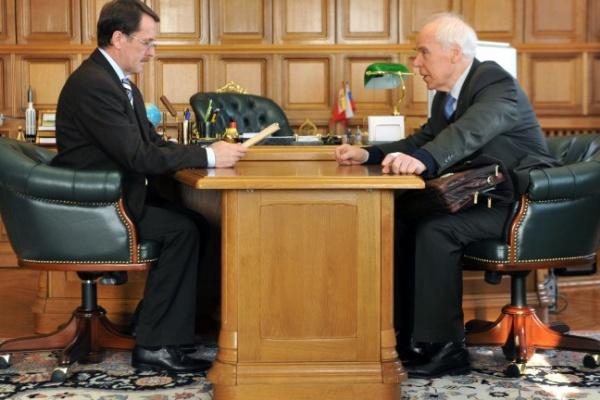 11 февраля губернатор Алексей Гордеев встретился с академиком Николаем Чернышовым