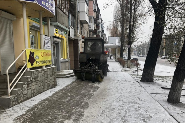 Воронежские власти усилят парк техники для зимней уборки и ремонта дорог