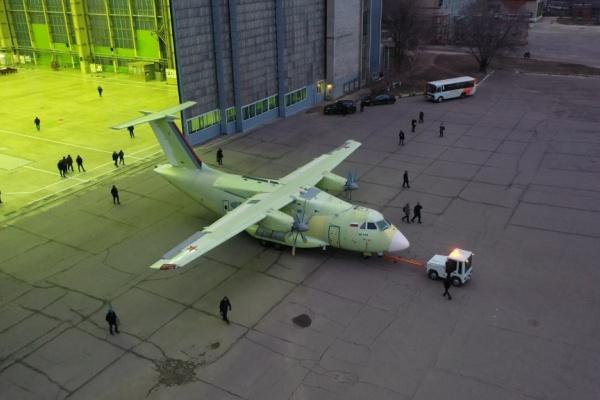Самарский завод начнет серийные поставки шасси для воронежского Ил-112В