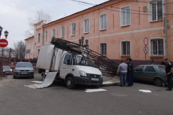 Водитель «ГАЗели», снёсший арку Каменного моста: «Я сегодня второй раз родился»