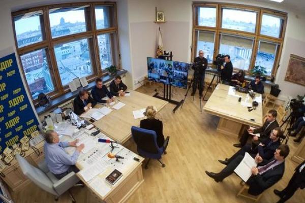 Воронежские журналисты встретились «на телемосту» с Владимиром Жириновским