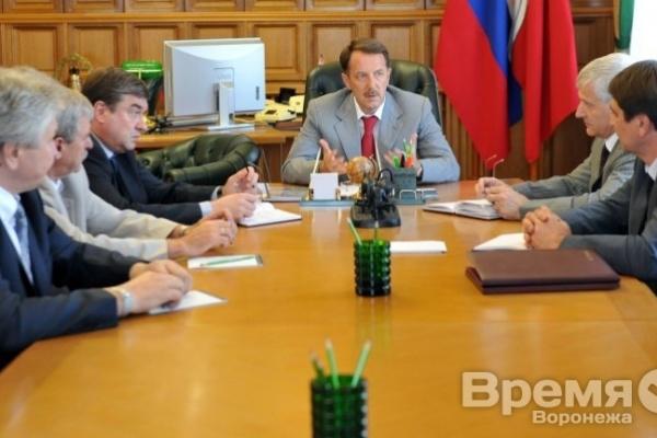 Алексей Гордеев требует провести переаттестацию чиновников воронежской мэрии