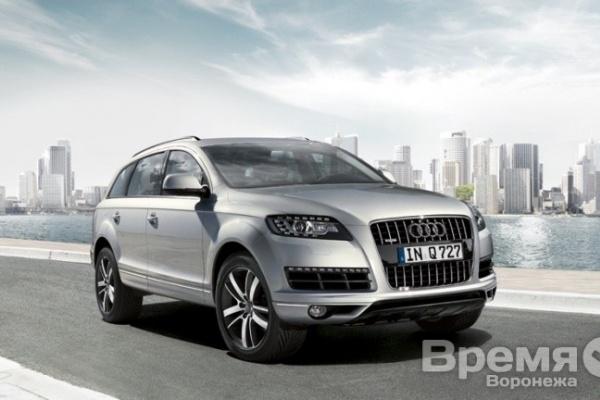Охранник угнал Audi Q7, попал на нём в аварию и опрокинул в кювет