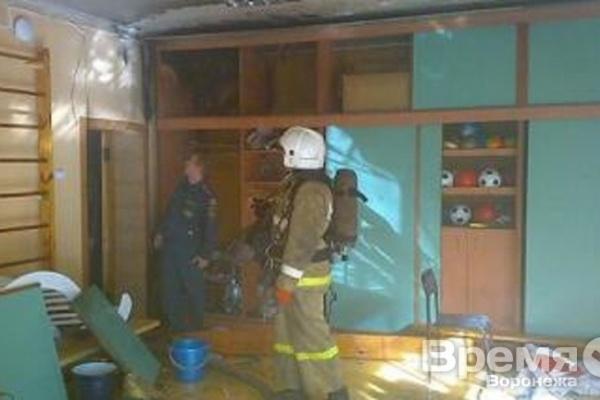 В Воронеже из-за пожара эвакуировали детский сад