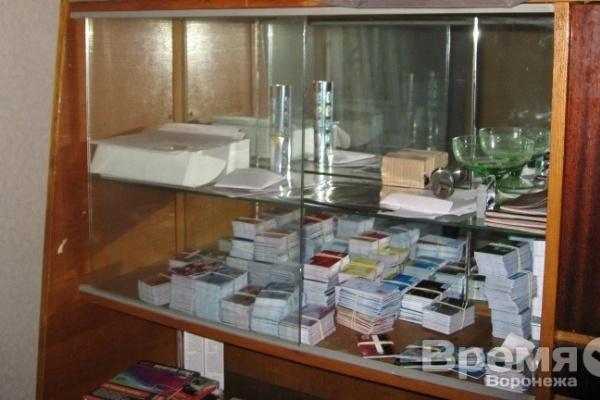 В Воронежской области накрыли «фабрику», подделавшую сотни банковских карт