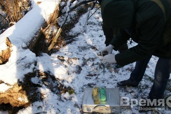 В Воронеже на кладбище нашли килограмм героина
