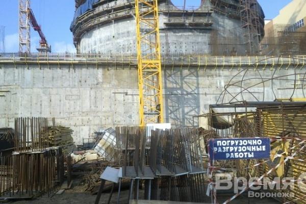 Строительство Нововоронежской АЭС едва не сорвала упавшая стрела башенного крана