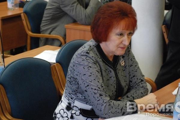 Депутат, хотевшая прийти на пост мэра «белой и пушистой», стала третьим официальным кандидатом в градоначальники