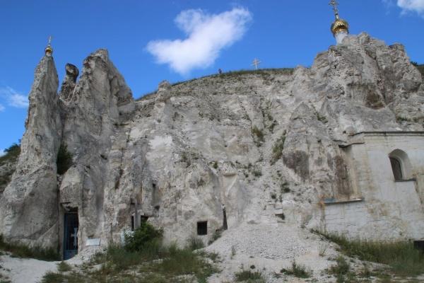 В Воронежской области Дивногорский монастырь остался без автодороги