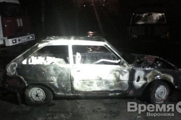 В Воронеже сгорела ещё одна легковушка