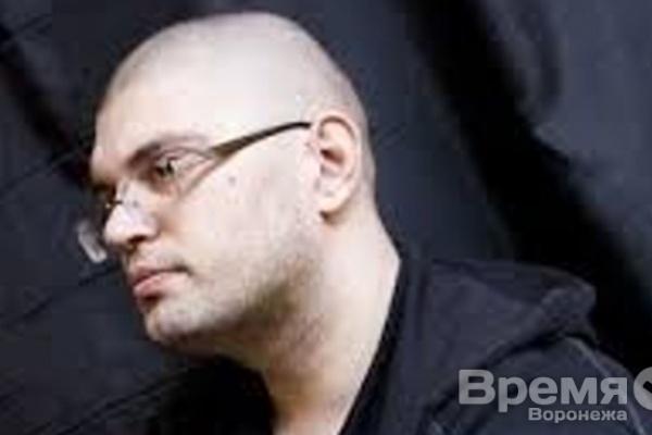 Воронежца, забросавшего файерами посольство Польши в России, арестовали на 15 суток