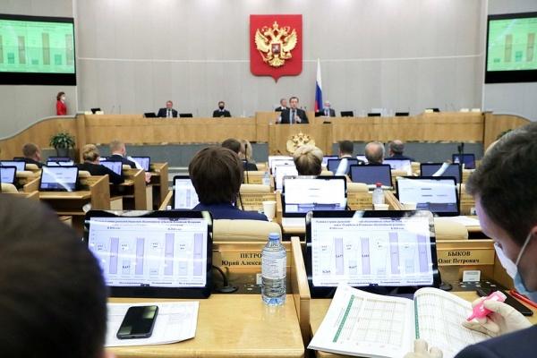 «Нежно вносят со стороны Кремля». В Воронеже обсудили выборы в Госдуму