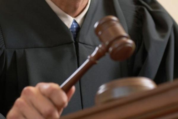 В Воронеже начался суд над адвокатом с зелёным блокнотом