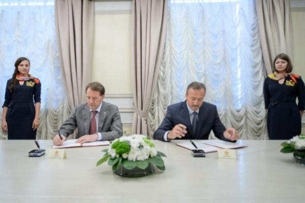 Воронежский агрохолдинг взял в «нагрузку» шесть районов области