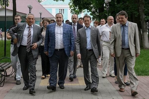 Президент помогает банкиру стать воронежским депутатом Госдумы