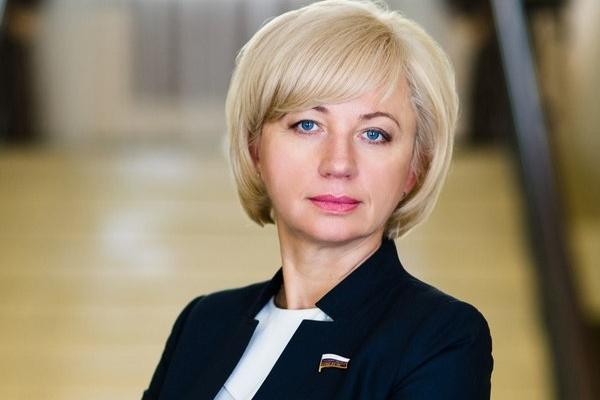 Татьяна Сапрыкина: «Госдума приняла законопроекты, направленные на защиту медицинских работников»