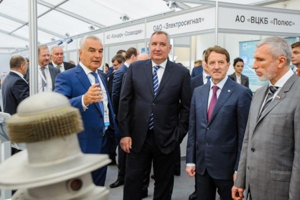 Вице-премьер предложил «увязать» воронежское «Созвездие» с Роскосмосом