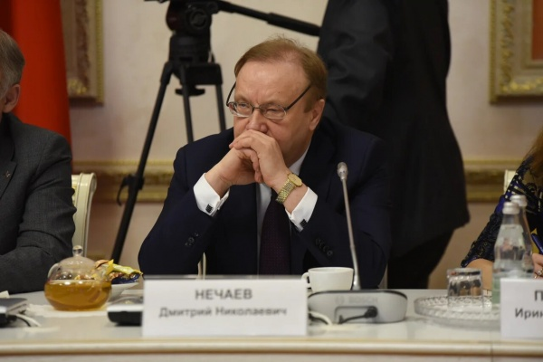 Александр Гусев – лидер-служитель, а Алексей Гордеев – лидер-торговец и почему воронежцам повезло с губернатором