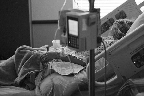 Халатность в халате или врачебная тактика – почему родственники умерших пациентов ополчились на Павловскую РБ