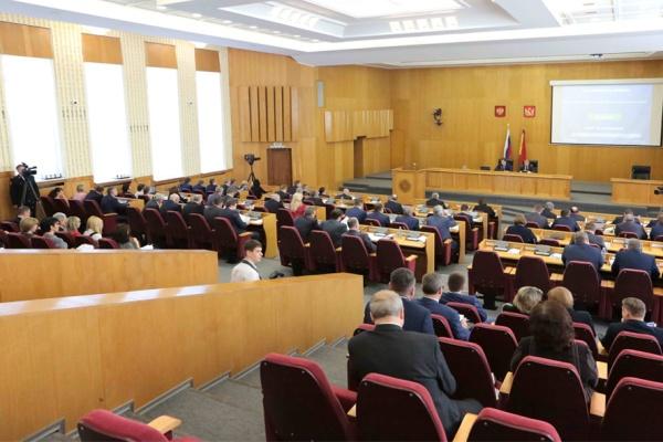 Депутаты Воронежской облдумы не признают обвинений в сокрытии доходов