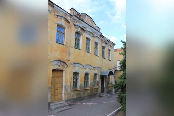 Фирма с лицензией от Министерства культуры РФ спроектирует реконструкцию «Купеческого особняка» под Воронежем