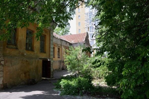 Жители самого старого здания в Воронеже уже отчаялись дождаться переселения