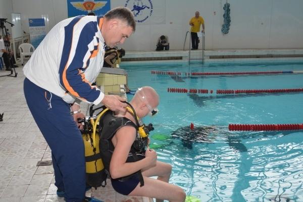 Воронежских школьников готовят к армии подводным плаванием