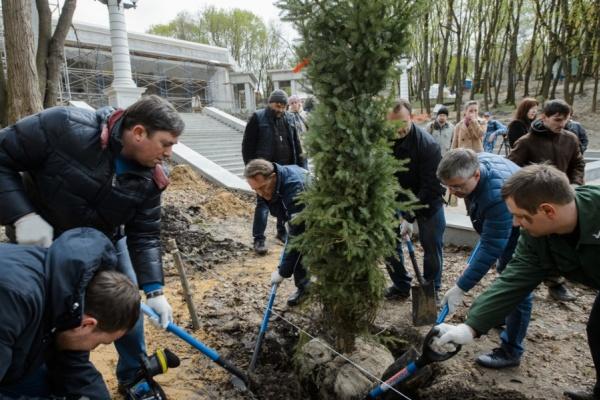 На освещение деятельности воронежского губернатора и правительства бюджет истратил более 106 млн рублей