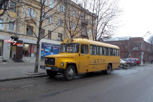 Десятая часть воронежских дорог не годится для перевозки детей